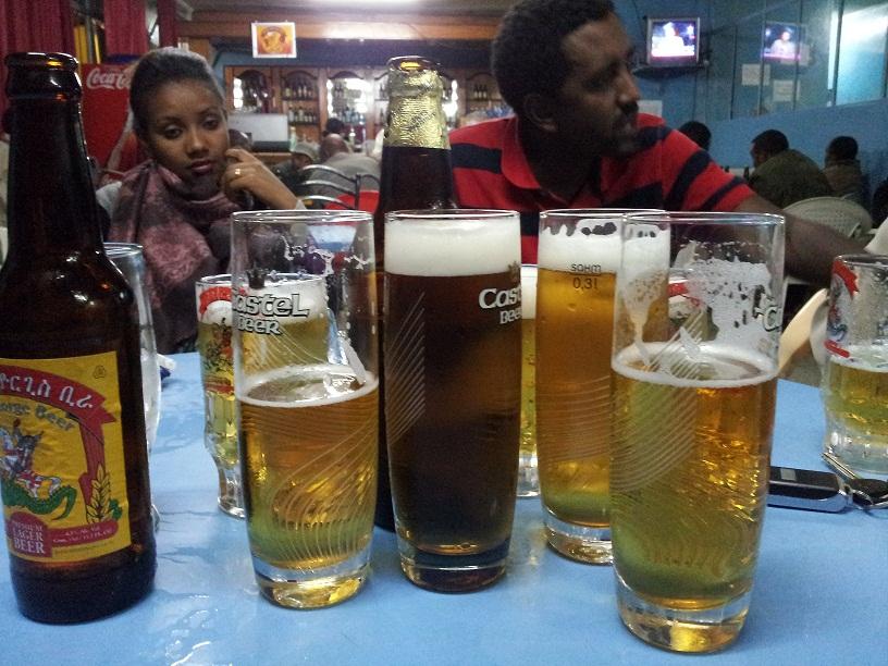 Una cerveza Saint George (o dos) en un kebele de Addis Abeba