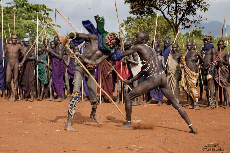 Donga, el orgullo guerrero de los surma